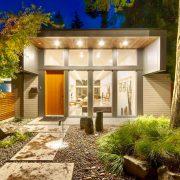 entrada de casa iluminada